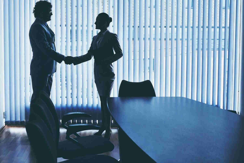 Negociación entre empresas y trabajadores